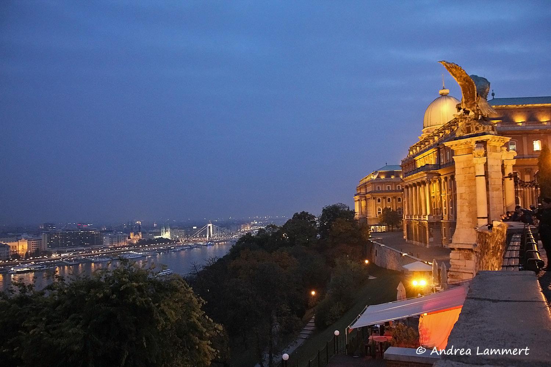 Budapest, Parlament, Budapests Blaue Stunde, Geheimtipps für Budapest, Panorama Budapest Burgberg,