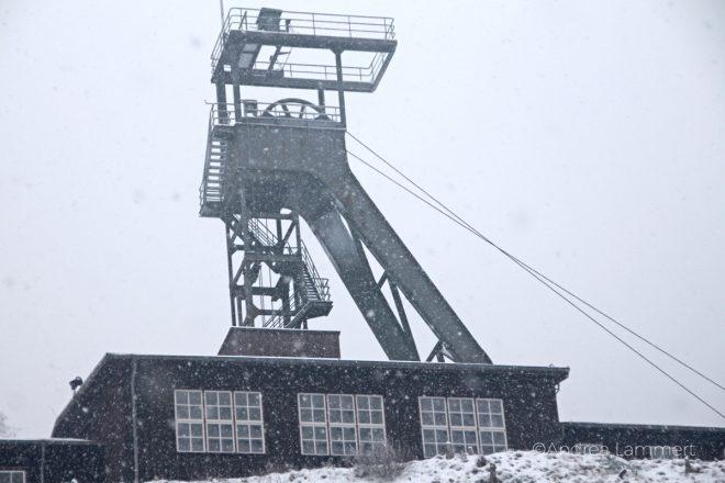 Das Bergwerk Rammelsberg im Harz schneeverweht