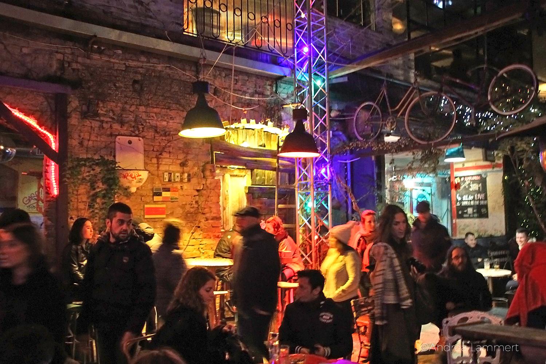 Budapests Nightlife, Nachtleben, Ruinpubs, Szimpla, Budapest Geheimtipps