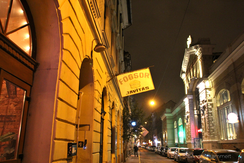 Budapest, Nightlife, Nachtleben, Ruinpubs, Szimpla, Budapest Geheimtipps, Kisünem