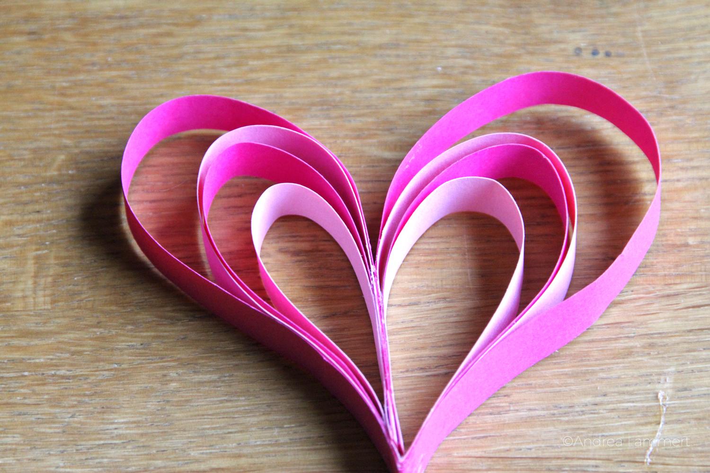Valentinstag, Herzen, DIY, Upcycling, Herzen aus Papierstreifen