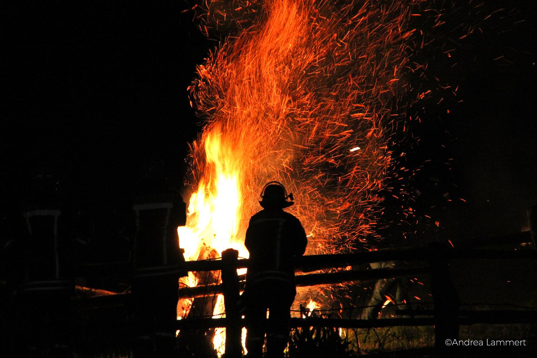 Osterräderlauf Lügde, Teutoburger Wald, Feuerräder Lügde, Osterfeuerräderlauf, Brennende Räder