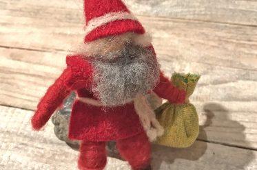 Weihnachtsmann aus Pfeifenputzern, DIY, Filzwolle