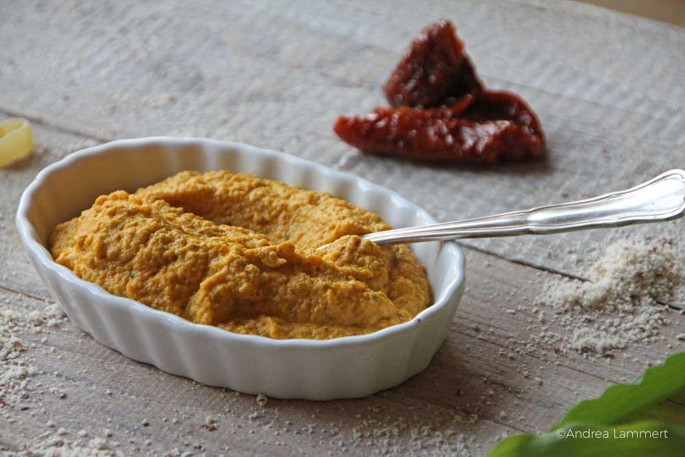 veganes Möhrenpesto, Rezept mit Bärlauch