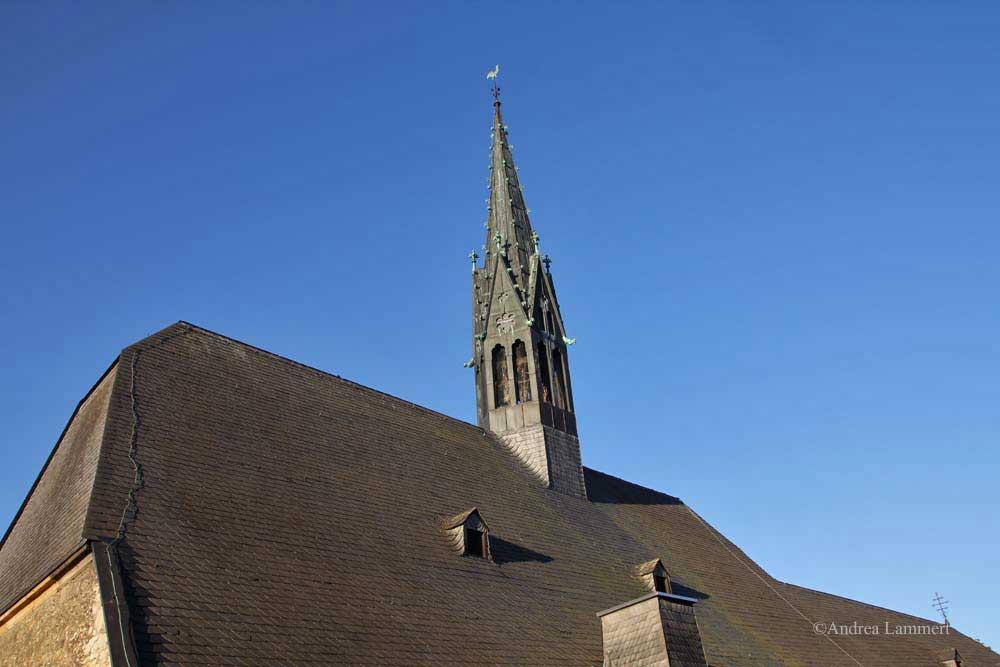 Im Dreiländereck zwischen Niedersachsen, Hessen und NRW liegt Warburg mit seinen 23 000 Einwohnern. Erstmals urkundlich erwähnt wurde der Ort 1010, Kennzeichen war die Burg auf dem Wartberg. Hier Marianum