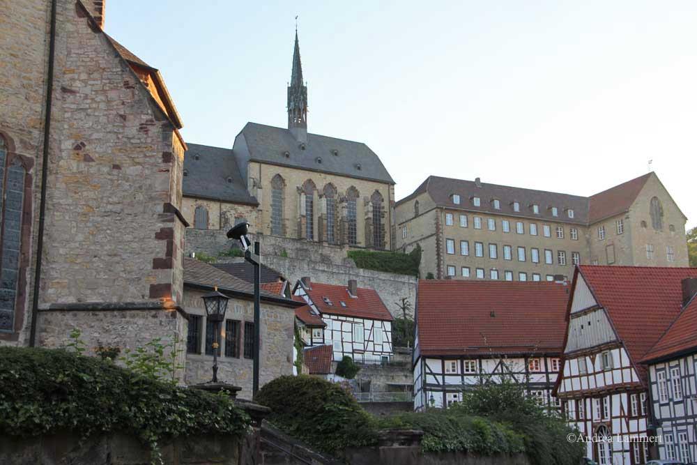 Im Dreiländereck zwischen Niedersachsen, Hessen und NRW liegt Warburg mit seinen 23 000 Einwohnern. Erstmals urkundlich erwähnt wurde der Ort 1010, Kennzeichen war die Burg auf dem Wartberg.