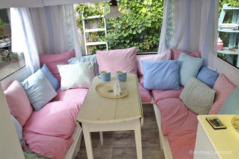 Gartencafé Süderdeich an der Nordsee zwischen Büsum und Sankt Peter-Ording, umgebautes Bett