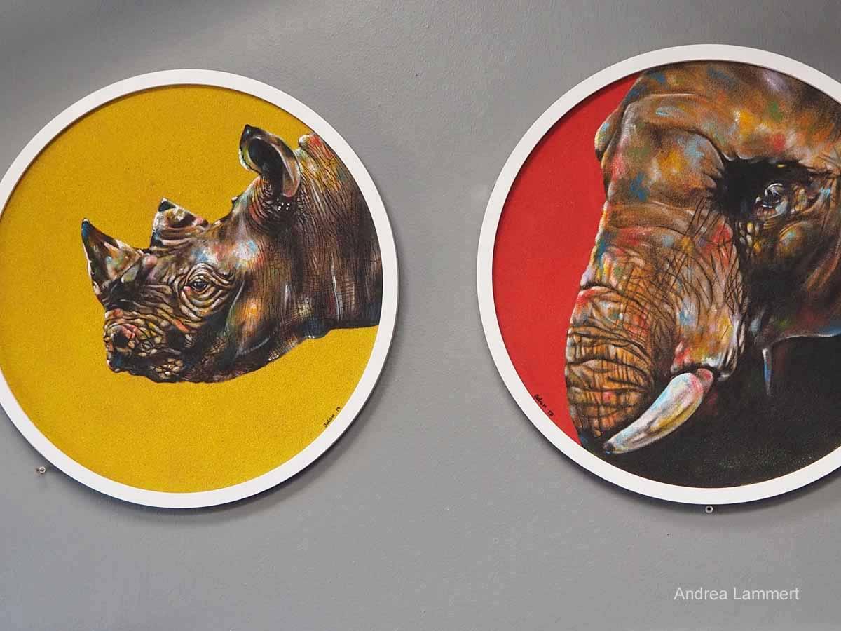 Kunst im Township von Kapstadt, Langa, Sandpianting von Odon.