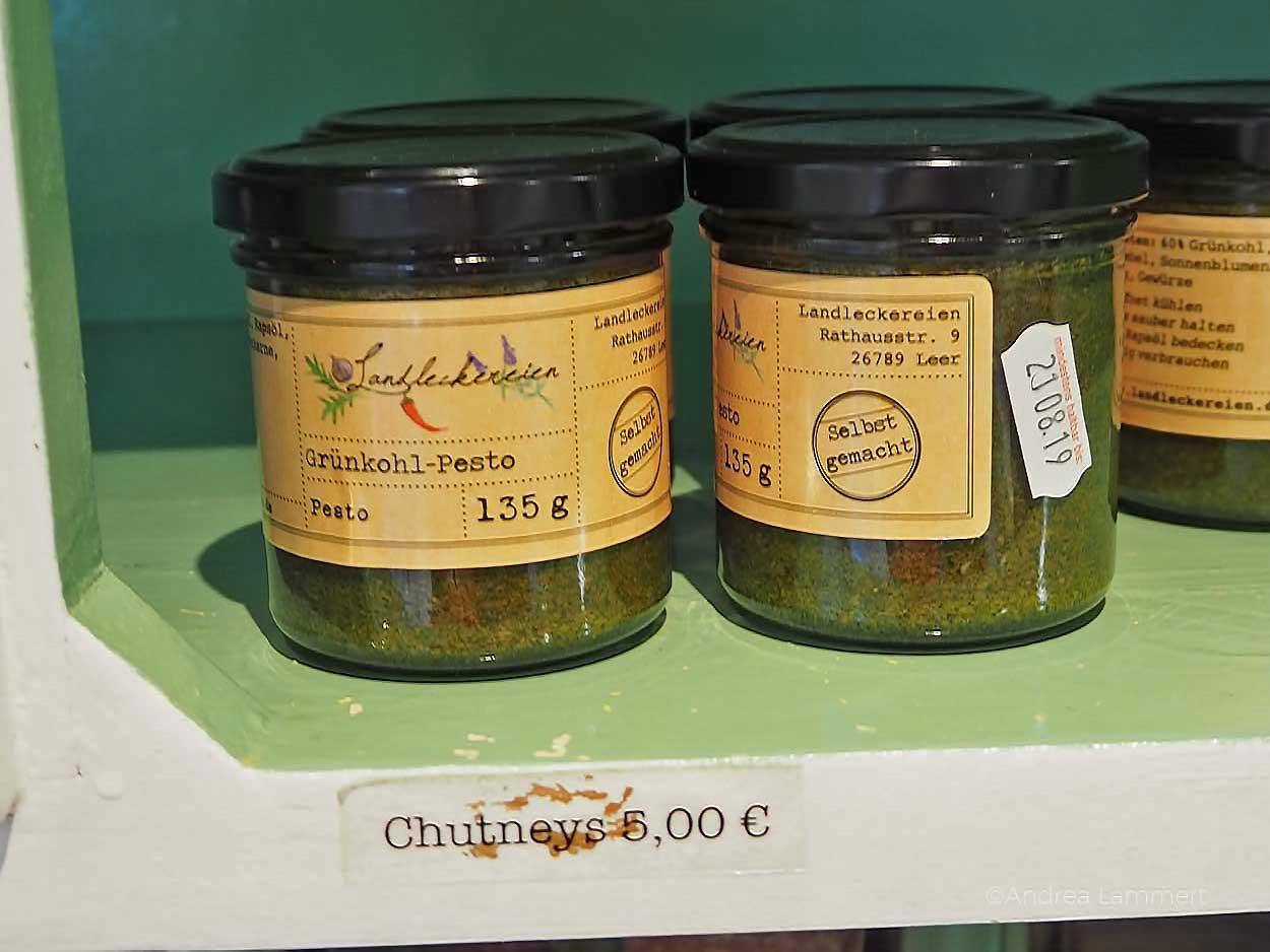 Landleckereien in Leer- Shopptingtipp: Grünkohlpesto. Gehört zu den schönen Sachen, die man in Leer machen kann. Geheimtipps für die ostfriesische Stadt