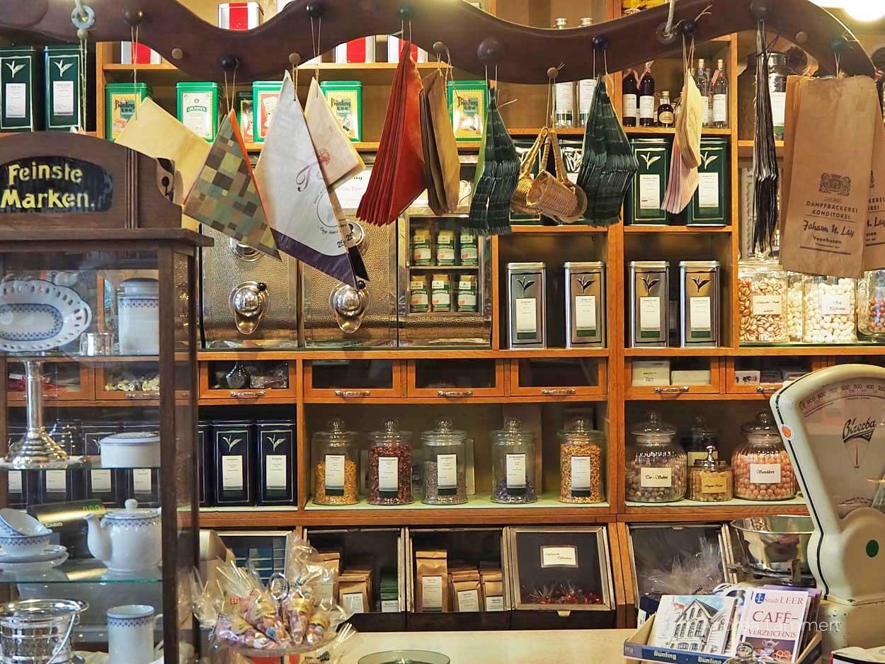 Laden im Bünting-Teemuseum: Gehört zu den schönen Sachen, die man in Leer machen kann. Geheimtipps für die ostfriesische Stadt