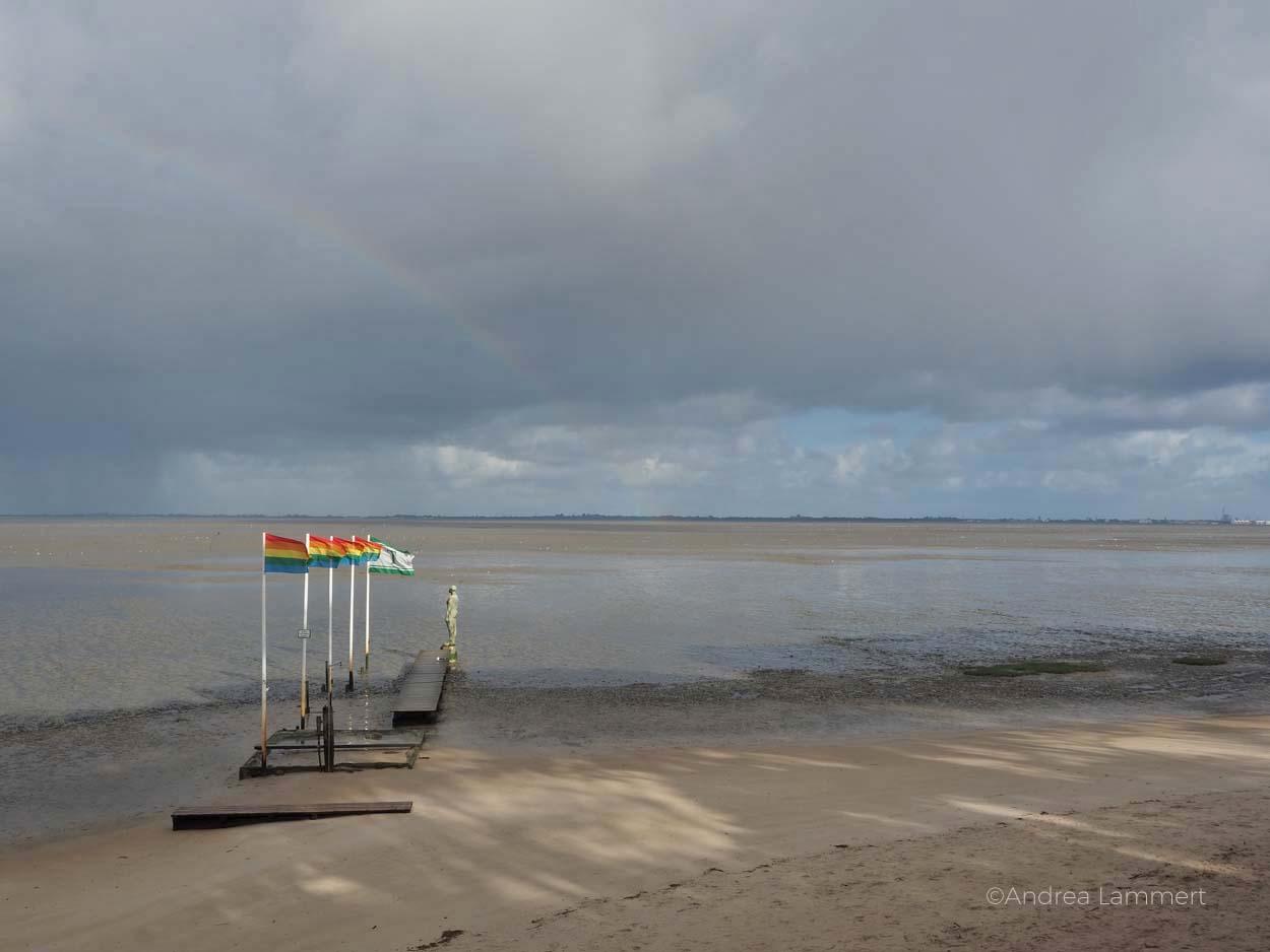 Boot vor Dangast: Warum ich die Nordsee liebe - Gründe für den Urlaub an der Nordsee, Nordseeinseln, einsame Inseln in der Nordsee,