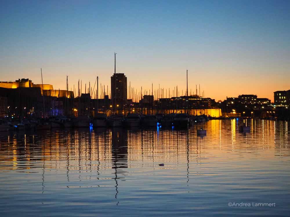 Am Hafen von Marseille.