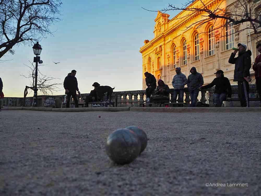 Petanque wird in Marseille täglich gespielt.