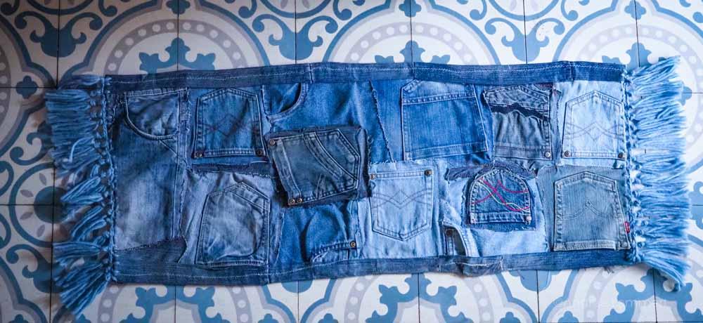 Upcycling: Nähen mit alten Jeans, Teppich aus Jeans mit Fransen
