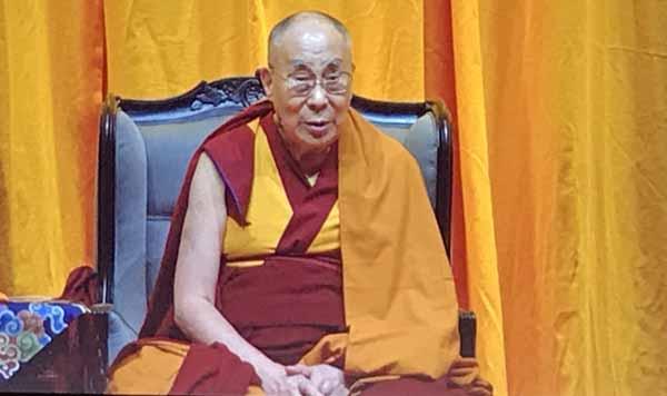 Fahre jedes Jahr in ein Land, das du noch nicht kennst, sogt der Dalai Lama