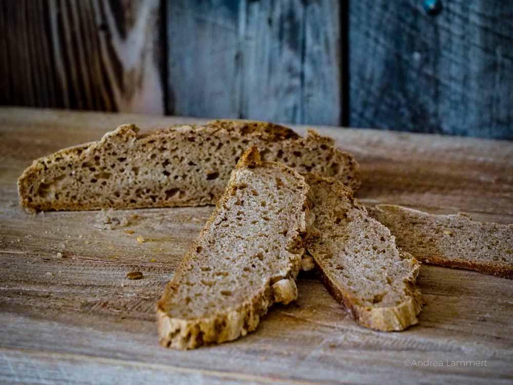 Rezepte mit altem Brot, Ideen, Brotscheiben von Graubrot