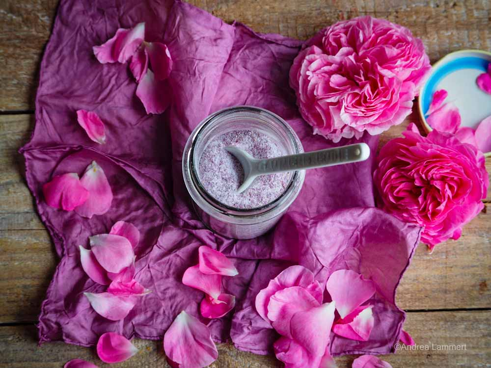 Zucker aus Rosenblüten selbst gemacht - das Rezept, einfach und schnell