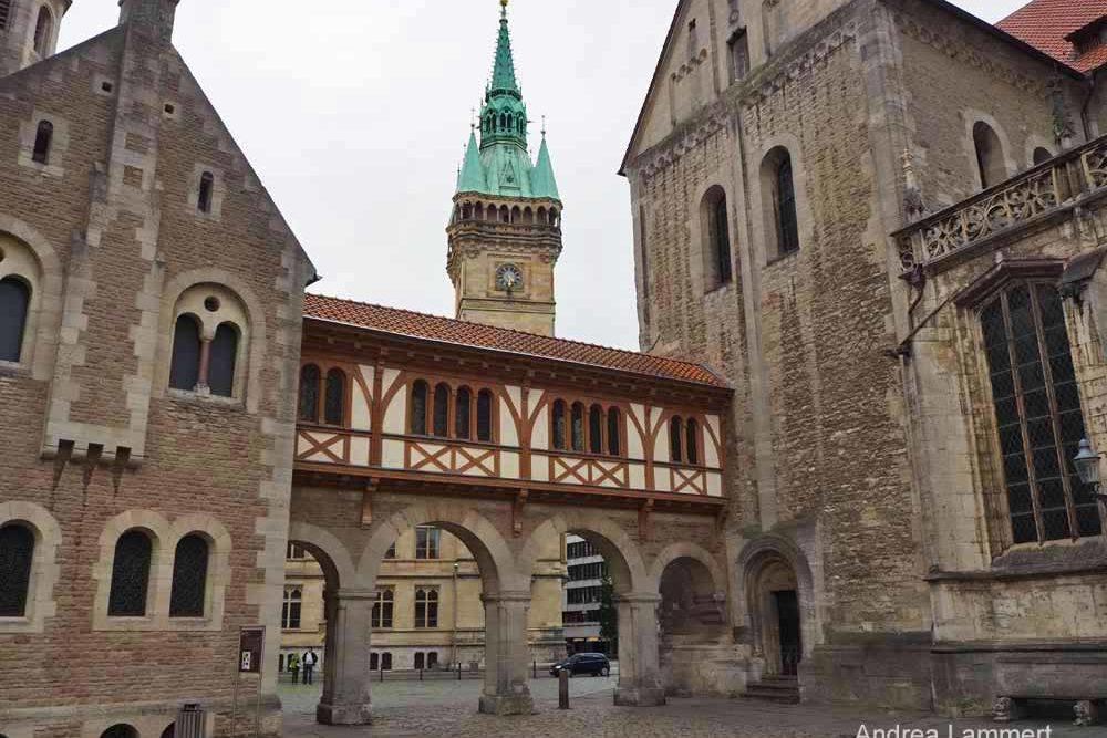 Der Hof vor der Burg Dankwarderode mit den schönen Arkaden. in Braunschweig