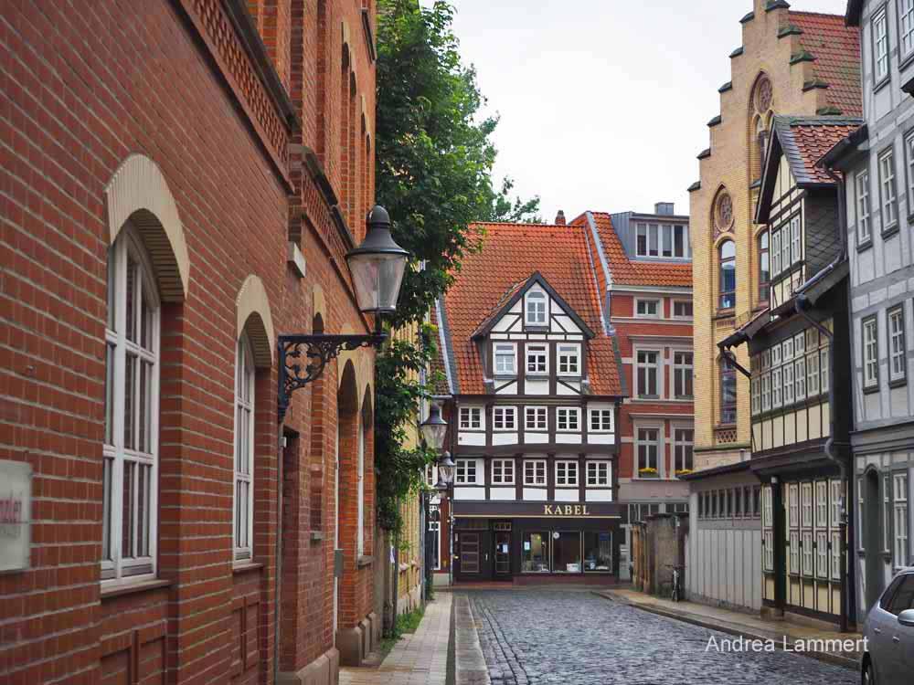Das Michaelisviertel bietet Fachwerkschönheit und gehört zu den beliebtesten Sehenswürdigkeiten Braunschweigs.