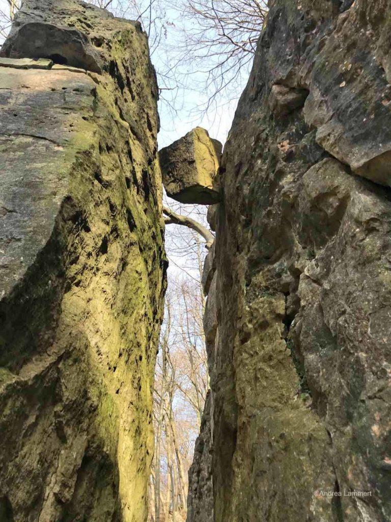 Brunkensen, Lippoldshöhle, Lühgenstein