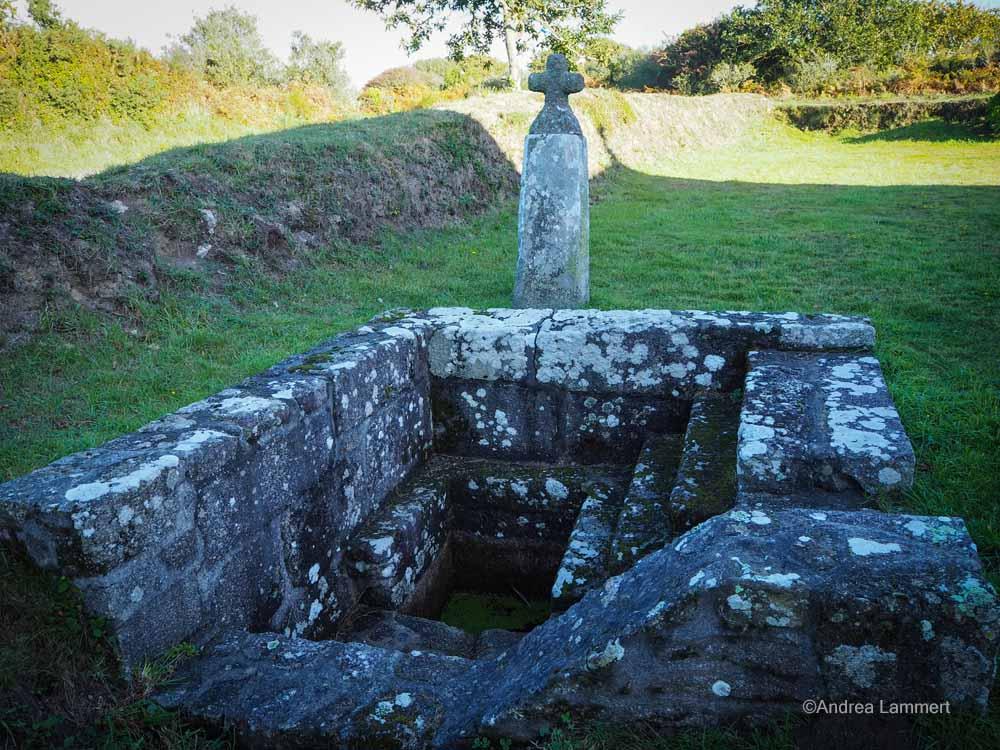 Bretagne, mystisch, tipps, Dolmen, quellen, kapellen