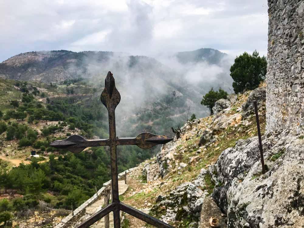 Wolkenverhangene Berge von Thassos