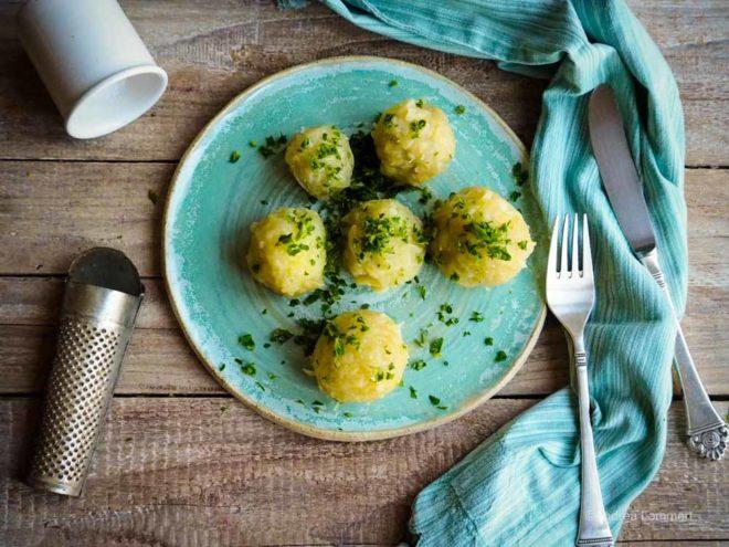 Kartoffelknödel halb und halb Rezept, rohe Kartoffeln