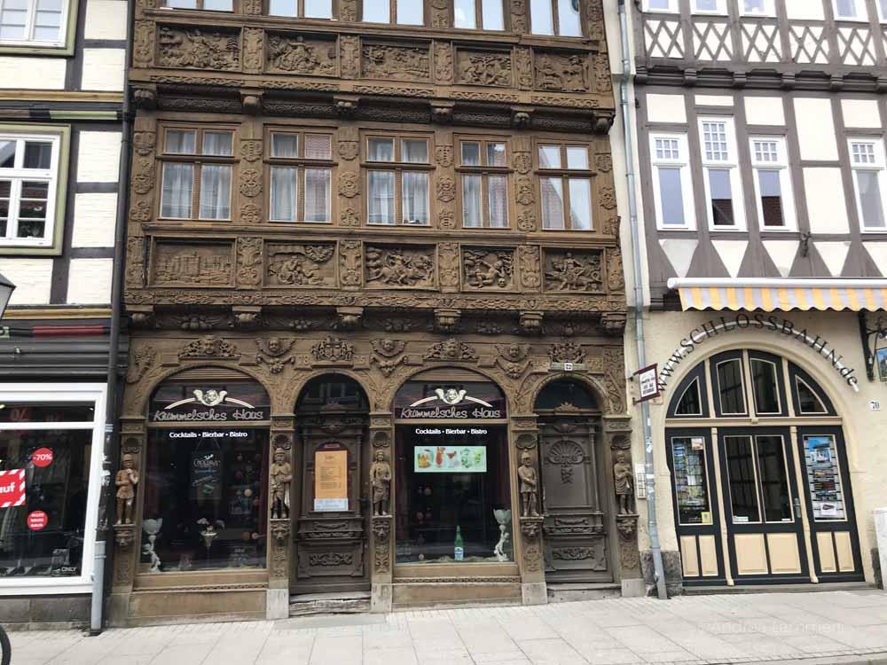 Schnitzwerk überall - das Krummelsche Haus in Wernigerode. Wernigerode, Harz, Wernigerode, Hotel, Sehenswürdigkeiten, Tipps