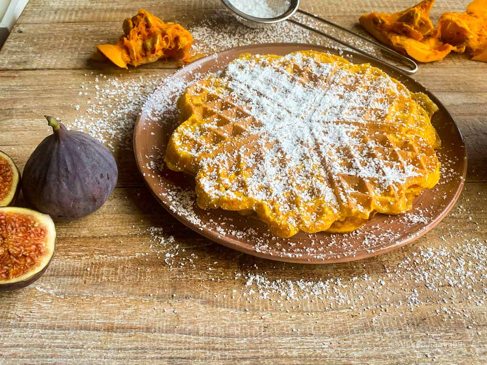 Pumpkin waffles, recipe